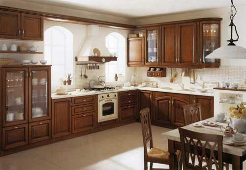 Кухня Eleonora с деревянными фасадами